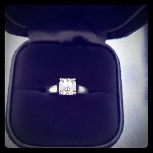 Tiffany&co platinum 1.11 ct I VVS2 Lucida diamond